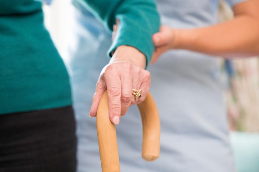 Motivos para contratar asistencia a domicilio para personas mayores o dependientes