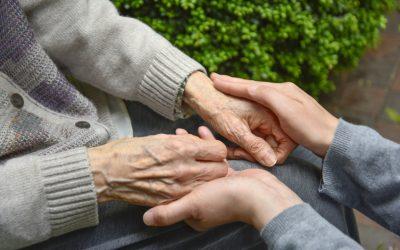 Cuidado de persona mayores a domicilio VS cuidado de ancianos en residencias