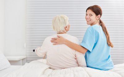 Día Mundial del cuidador: celebramos la gran dedicación de cuidadores y cuidadoras de personas mayores