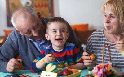 Actividades y asistencia a domicilio para personas mayores en Semana Santa
