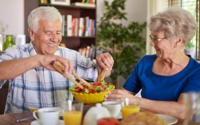 El cuidado de las personas mayores y su alimentación en verano