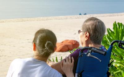 5 maneras de disfrutar del verano cuidando de las personas mayores
