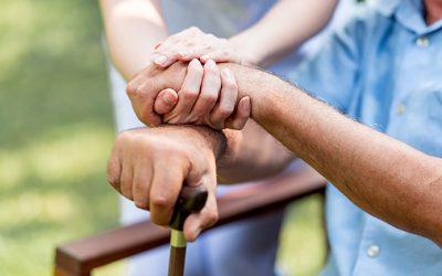 Cuidar enfermos a domicilio: 10 valores imprescindibles sobre el acompañamiento