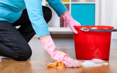 Cómo limpiar la casa de una persona mayor de forma eficaz