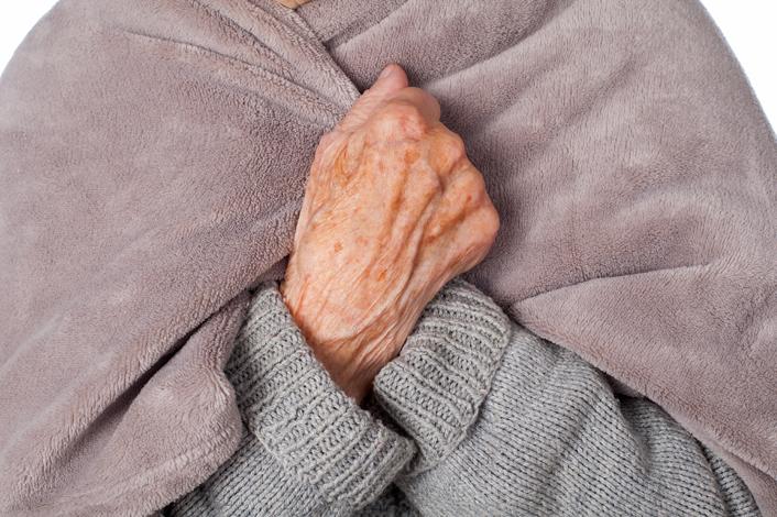 cuidado de personas mayores en invierno